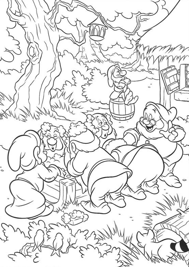 Kolorowanka Krasnoludki Krolewna Sniezka Disney Nr 22